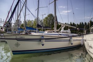 Bavaria 44 - SailBlaton - hajóbérlés a Balatonon